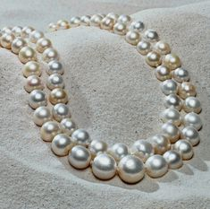 Product and Trends for Jewelry Retailers - Baroda Pearls Sell for Record Price Pearl Jewelry, Jewelry Box, Jewelery, Fine Jewelry, Pearl Necklaces, Pearl And Lace, Pearl Cream, Ivoire, Strand Necklace