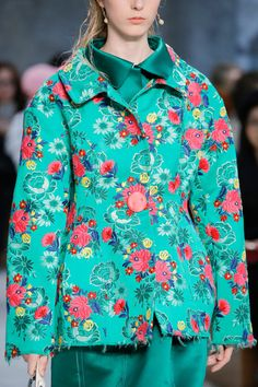 Marni Spring 2018 Ready-to-Wear Fashion Show Details