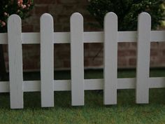 Dolls House White Picket Fence from The Wonham Collection. C86.