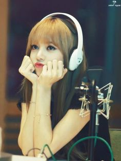 Lisa my heart 4 Kim Jennie, Kpop Girl Groups, Korean Girl Groups, Kpop Girls, Divas, Yg Entertainment, Forever Young, Girls Generation, Rapper