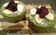 Quick and Tasty Matcha Green Tea Cake Recipe with Banana, Coconut, Avocado and Mango. Raw, Vegan, Gluten Free and so Delicious!