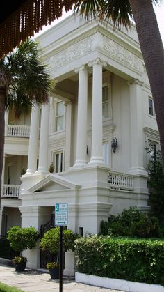 Charleston, South Carolina. I want this to be my house someday ... I can only dream!!
