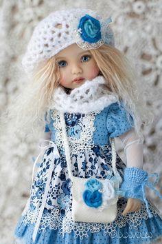 Outfit für den kleinen Liebling: Kleid, Unterrock, Höschen, Strümpfe, Handschuhe, Mütze und Rundschal, Tasche, Schuhe. Kleid - Baumwolle, verziert mit Spitze und wird hinten mit Knöpfen geschlossen. Puppe sind nicht im Preis inbegriffen, nur für Fotos! Wird innerhalb von 1-3 Tagen nach