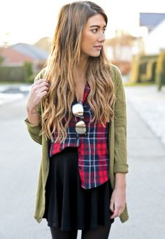 Today my post is unfolding simple, elegant and stylish How To Wear Plaid Shirts. Let's talk about plaid shirts. This basic wardrobe piece comes with an Mein Style, Autumn Winter Fashion, Winter Style, Fall Fashion, Passion For Fashion, Style Guides, Dress To Impress, Fall Outfits, Style Me