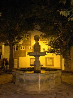 Plaza del Hospitalillo, también llamada Plaza de San Roque. Este santo, cuenta la tradición salvó a la ciudad de una terrible peste en el siglo XVI por lo que para sorpresa de muchos es patrón de la ciudad.