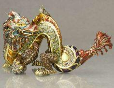 Animal-Inspired Tree Decorations #Christmas #Ornaments #Dragon