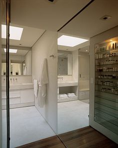 Banheiro Branco e Clean