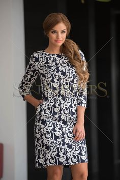 StarShinerS Remarkable DarkBlue Dress Clothing Items, Size Clothing, Daily Dress, Bohemian Look, Floral Print Skirt, Dress Cuts, Fall Collections, Fall Wardrobe, Dress Outfits