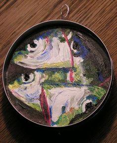Kunst in kleinen Dosen. Sardinenköpfe effage 2006
