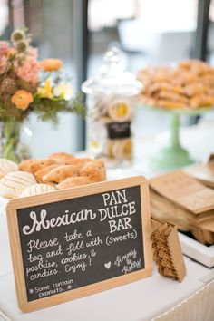 Why not have the MexicanTradtional Pan Dulce for your perfect Quinceanera? Have a pan dulce bar Dessert Bar Wedding, Wedding Desserts, Dessert Bars, Dessert Stand, Wedding Cakes, Gigantes Do Samba, Filet Mignon Chorizo, Mexican Themed Weddings, Mexican Wedding Decorations