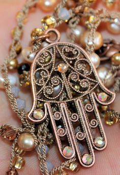Great gorgious necklace created by a very nice person, pazit!!    Bohemian chic stylish hamsa hand of van TopazpearlsOnEtsy op Etsy, $130.00