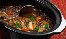 A classic Irish Stew recipe that can be made in your crock pot. Crock Pot Irish Stew Recipe from Grandmothers Kitchen. Irish Stew Slow Cooker, Slow Cook Beef Stew, Crock Pot Slow Cooker, Slow Cooker Recipes, Crockpot Recipes, Cooking Recipes, Crock Pots, Easy Recipes, Crockpot Meat