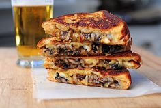 """Mushroom Swiss Grilled Cheese and 20 other """"to-die-for"""" grilled chese samaches! nom nom nom"""
