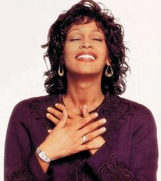 whitney Whitney Houston Pictures, New Jack Swing, Black Celebrities, Black Is Beautiful, Beautiful Women, Famous Singers, Queen, African American Women, Bobby Brown