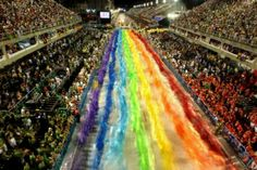 Sao Clemente samba school parade at the Sambodromo during the Carnival in Rio de Janeiro, Brazil. Samba, Mardi Gras Carnival, Brazil Carnival, 10 Interesting Facts, Carnival Festival, World Of Color, Places To See, Cool Pictures, Fun Facts