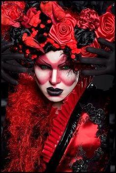 Hidden drag queen crouching FABULOUSO!