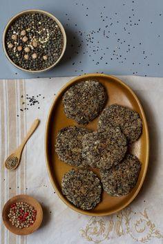 croquettes vegan : lentilles, farine de pois chiche, sarrasin, quinoa noir / vegan croquettes (lentils, chickpeas, buckwheat, black quinoa)