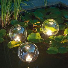 Marvelous Mystische LED Leuchtkugeln beleuchtete Traumkugeln setzen Teich u Garten in Szene Schauen Sie auch in unsere Kategorie uFackeln u Windlichter u f r
