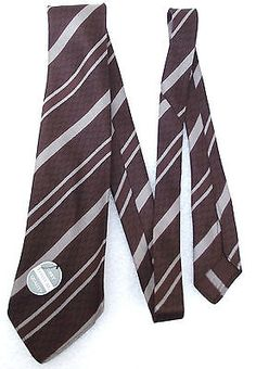 72a126b365e A tebilized tie by Tootal with a nice formal diagonal striped pattern The  basic school or