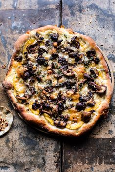 Balsamic Mushroom and Goat Cheese Pizza - Simple, delish & ready in 30 mins. With outta this world garlic buttered balsamic mushrooms! @halfbakedharvest.com