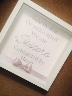 Sisters sparkle box frame - Sites new Diy Christmas Gifts For Coworkers, Christmas Diy, Craft Gifts, Diy Gifts, Sparkle Box, Diy Shadow Box, Shadow Box Frames, Frame Crafts, Diy Weihnachten