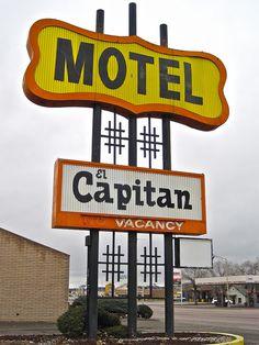 El Capitan Motel, Route 66 - Gallup, New Mexico
