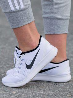 Nike Free RN Str. 39