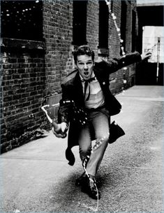 Benedict Cumberbatch graces the cover of the November issue of Interview magazine, in an edgy black-and-white photoshoot - as well as an interview conducted by Radiohead's Thom Yorke. Benedict Sherlock, Sherlock Bbc, Sherlock Actor, Benedict Cumberbatch Sherlock, James Dean, Johnlock, Benedict Cumberbatch Interview, Portrait Photography Men, Male Fashion Trends