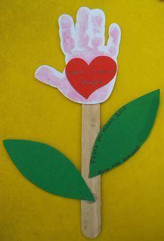 New Craft Gifts For Dad Mom Ideas – Handwerk und Basteln Valentine's Day Crafts For Kids, Valentine Crafts For Kids, Valentines Day Activities, Fathers Day Crafts, Sunday School Crafts, New Crafts, Valentines Diy, Toddler Crafts, Craft Activities