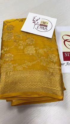 Pattu Sarees Wedding, Wedding Silk Saree, Cotton Saree Blouse Designs, Saree Tassels Designs, Mysore Silk Saree, Indian Silk Sarees, Feng Shui Colours, Crepe Silk Sarees, Banarsi Saree