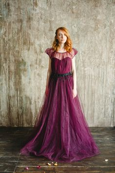 This styled shoot from Russia explores the impact your surroundings can make for bringing out the best in a couple. Two suns Russia wedding shoot. Top Wedding Trends, Alternative Wedding Dresses, Strictly Weddings, Wedding Groom, Pretty In Pink, Summer Wedding, Wedding Colors, Wedding Inspiration, Gowns