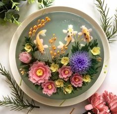 Food Artist Creates Nature-Inspired Jelly Cakes That Look Like Pretty Koi Ponds - Gelee Ideen Aquarium Cake, 3d Jelly Cake, Jelly Flower, Asian Flowers, Creative Food Art, Food Artists, Edible Flowers, Japanese Sweets, Culinary Arts