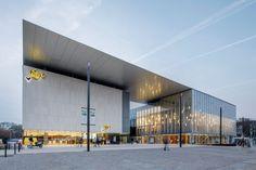 Babin + Renaud architectes alucobond 3A composite Centre culturel des Jacobins Le Mans cinéma Pathé  architecture © Thibault Savary
