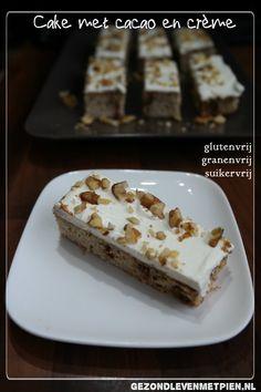 Glutenvrije, suikervrij en granenvrije cake met cacaosiroop en creme