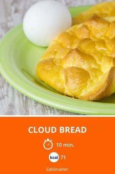 Das fluffige Low-Carb-Brot aus nur 4 Zutaten |  Kalorien: 71 Kcal - Zeit: 10 Min. | http://eatsmarter.de/rezepte/cloud-bread