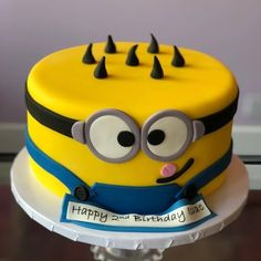 30 Creative Image of Minions Birthday Cake . Minions Birthday Cake Birthday Cake Of Minions Hd Image The Ask Idea 6th Birthday Cakes, Custom Birthday Cakes, Minion Birthday, Minion Party, Birthday Cake Girls, 2nd Birthday, Happy Cake Image, Minion Photos, Cake Images