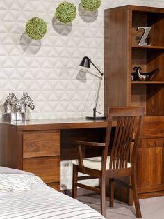 Stylová pracovna zařízená nábytkem z bukového masivního dřeva. Na fotu je nábytek v barevné kombinaci - buk lausane. Sweet Home, Furniture, Home Decor, Cabinets, Decoration Home, House Beautiful, Room Decor, Home Furnishings, Home Interior Design