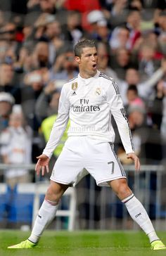 Cristiano Ronaldo of Real Madrid celebrates after scoring his team's opening goal during the La Liga match between Real Madrid and Villarreal at Estadio Santiago Bernabeu on March 2015 in Madrid, Spain. Cristiano Ronaldo Junior, Cristino Ronaldo, Cristiano Ronaldo Juventus, Juventus Fc, Neymar, Ronaldo Real, Good Soccer Players, Football Players, Ronaldo Photos