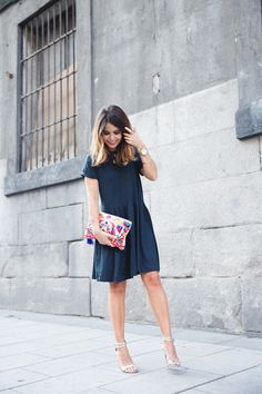 Striped_Dress-Ethnic_Clutch-Silver_Sandals-Outfit-Street_Style-14