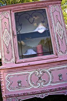 Antique Curio Cabinet-Pink Distressed Vintage Curio China #paintedfurniture #affiliate