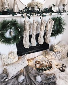 WEBSTA @stylinbyaylin Warning ⚠️ ••• Twas the night Before Christmas When all through the house Not a creature was stirring Not even a mouse. The stockings all hung By the chimney with care, In hopes and wishes that they will NOT flare // After living in our home for almost 8 years I'm beyond excited