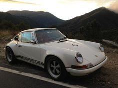 Stunning Singer Porsche/ now this is a nice car