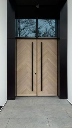 Herringbonestyle frontdoors Oak with 8 % whitewash www.nl Herringbonestyle frontdoors Oak with 8 % whitewash www.