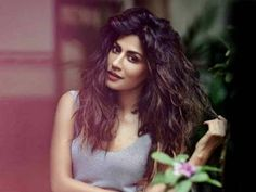 Chitrangda Singh talks About Her Love For Food And How She Stays Fit Chitrangada Singh, Bollywood Actors, Girl Photography, Hottest Photos, Stay Fit, Indian Actresses, Love Her, Glamour, Long Hair Styles