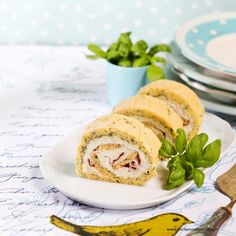 Pikante Biskuitroulade Creme Fraiche, Ethnic Recipes, Hams, Finger Food, Kuchen, Fast Recipes, Oven