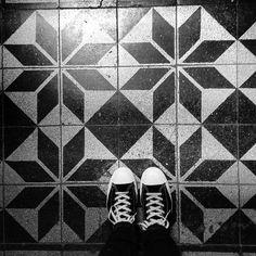 #mik#budapest#ig_hun#instahun#instamagyarorszag#welovebudapest#budapestagram#ig_budapest#archilovers#architecturephoto#architecturelovers#architecturaldetail#urbanizers#streetphoto#streetshot#thisisbudapest#budapestlife#budapestwalk#mybudapest#wanderlust#travel#ihavethisthingwithfloors#ihavethisthingwithtiles#tile#tileaddiction#artnouveau#bp100#budapest100#pattern#ihavethisthingwithtiles by kittrex