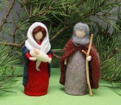 Christmas dolls Needle felted: Nativity set (Marie,Joseph and Jesus) Nativity Ornaments, Christmas Nativity Scene, Nativity Crafts, Noel Christmas, Christmas Gifts For Kids, Handmade Christmas, Christmas Crafts, Nativity Scenes, Family Christmas