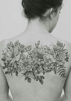 40+ Beautiful Back Tattoos Ideas for Women
