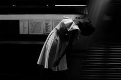 """um corpo no mundo - alile dara onawale  """"um corpo no mundo é uma saída à impossibilidade de pertencimento a um lugar único. um corpo no mundo é movimento.""""  luedji luna, cantora e compositora baiana.  + facebook.  ziel moura, maquiagem isaac silva, figurino  são paulo / out15"""