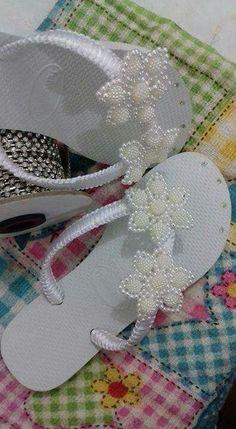 Beaded Shoes, Beaded Bags, Beaded Jewelry, Decorating Flip Flops, Cute Flip Flops, Wedding Flip Flops, Photo Pattern, Pattern Images, Crochet Shoes